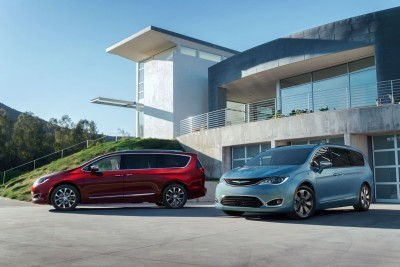 2017 Chrysler PACIFICA 47