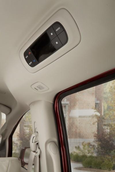2017 Chrysler PACIFICA Interior Photos 14