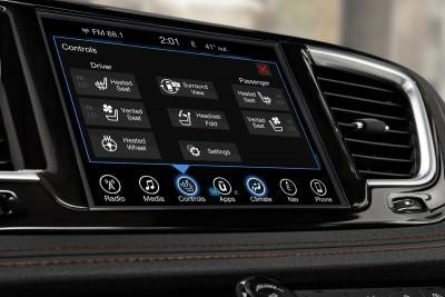 2017 Chrysler PACIFICA Interior Photos 24