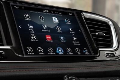 2017 Chrysler PACIFICA Interior Photos 26