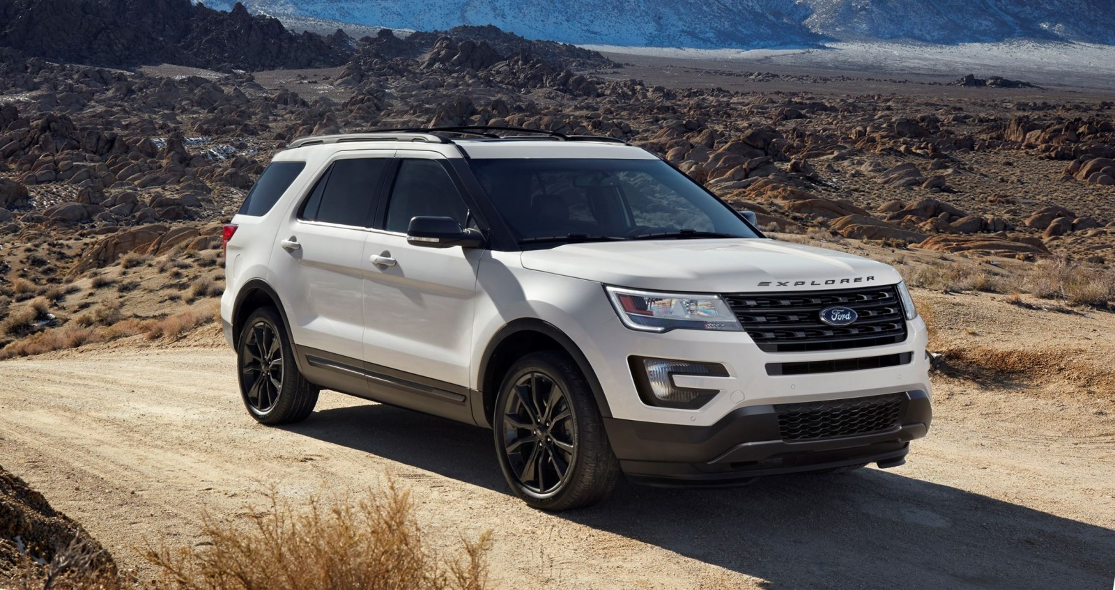 2017 ford explorer xlt sport pack is high impact styling upgrade with blacked out trims new led. Black Bedroom Furniture Sets. Home Design Ideas