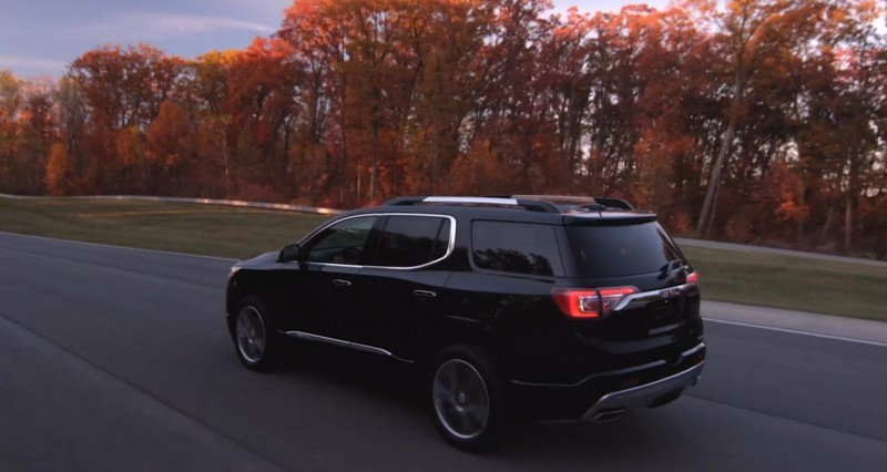 2017 GMC Acadia Video Stills 1