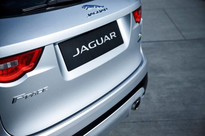 2017 Jaguar F-PACE V6S Silver Disney Center LA 19