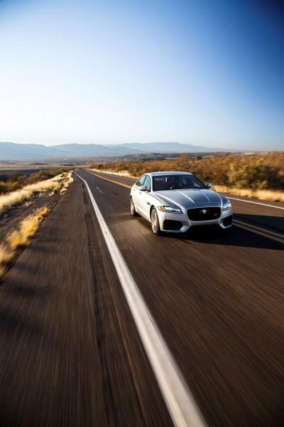 2017 Jaguar XF-S V6 - USA Media Drive 39