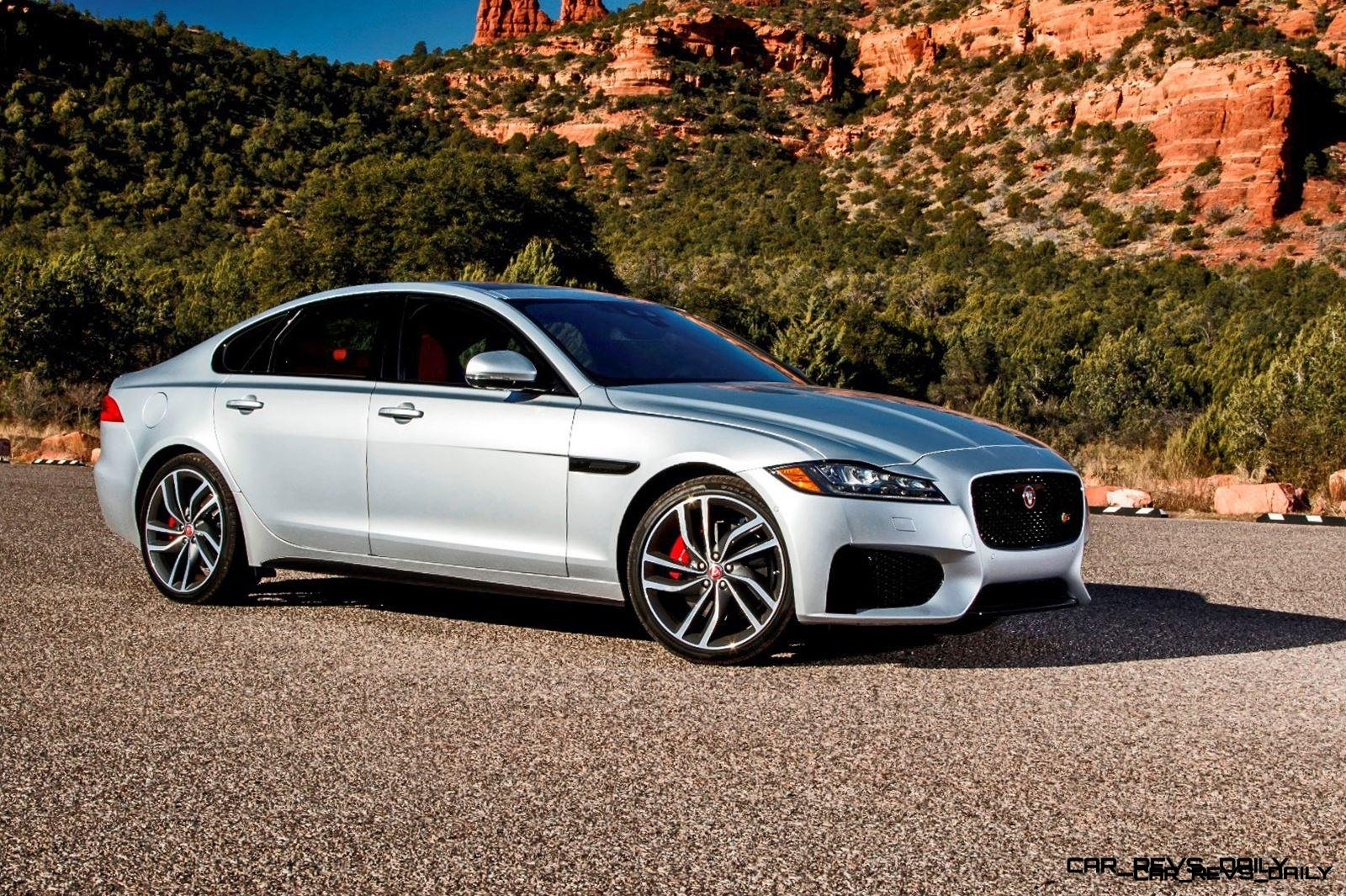 2017 Jaguar XF-S V6 - USA Media Drive 58