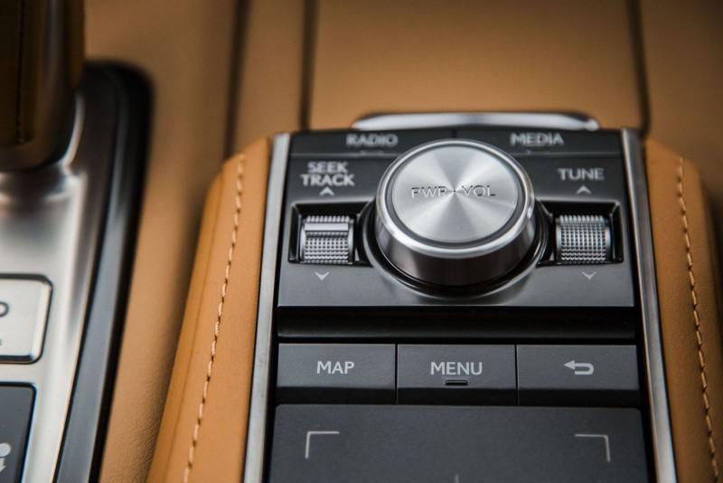2017 Lexus LC500 Interior Photos 10
