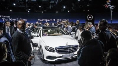 Weltpremiere der neuen Mercedes-Benz E-Klasse: World Premiere of the new Mercedes-Benz E-Class: