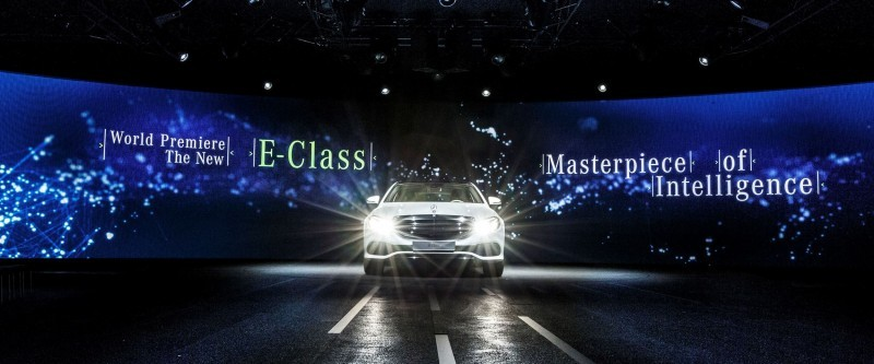 2017 Mercedes-Benz E400 4Matic Premier 7