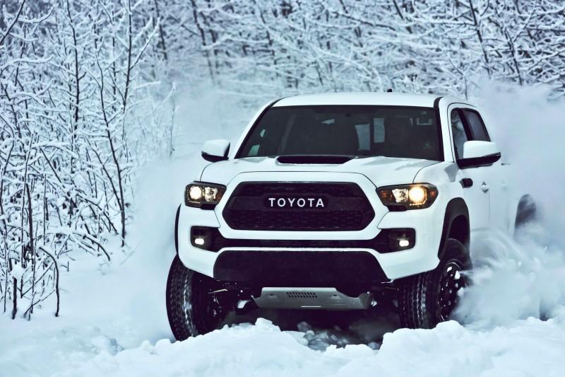 Black Toyota Tacoma 2017