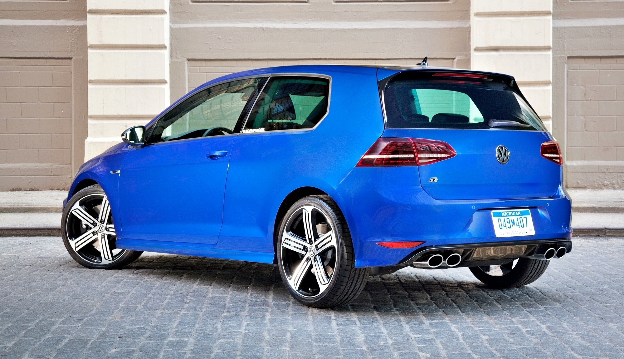 2015 vw golf r officially coming to usa in january with at least 290hp. Black Bedroom Furniture Sets. Home Design Ideas