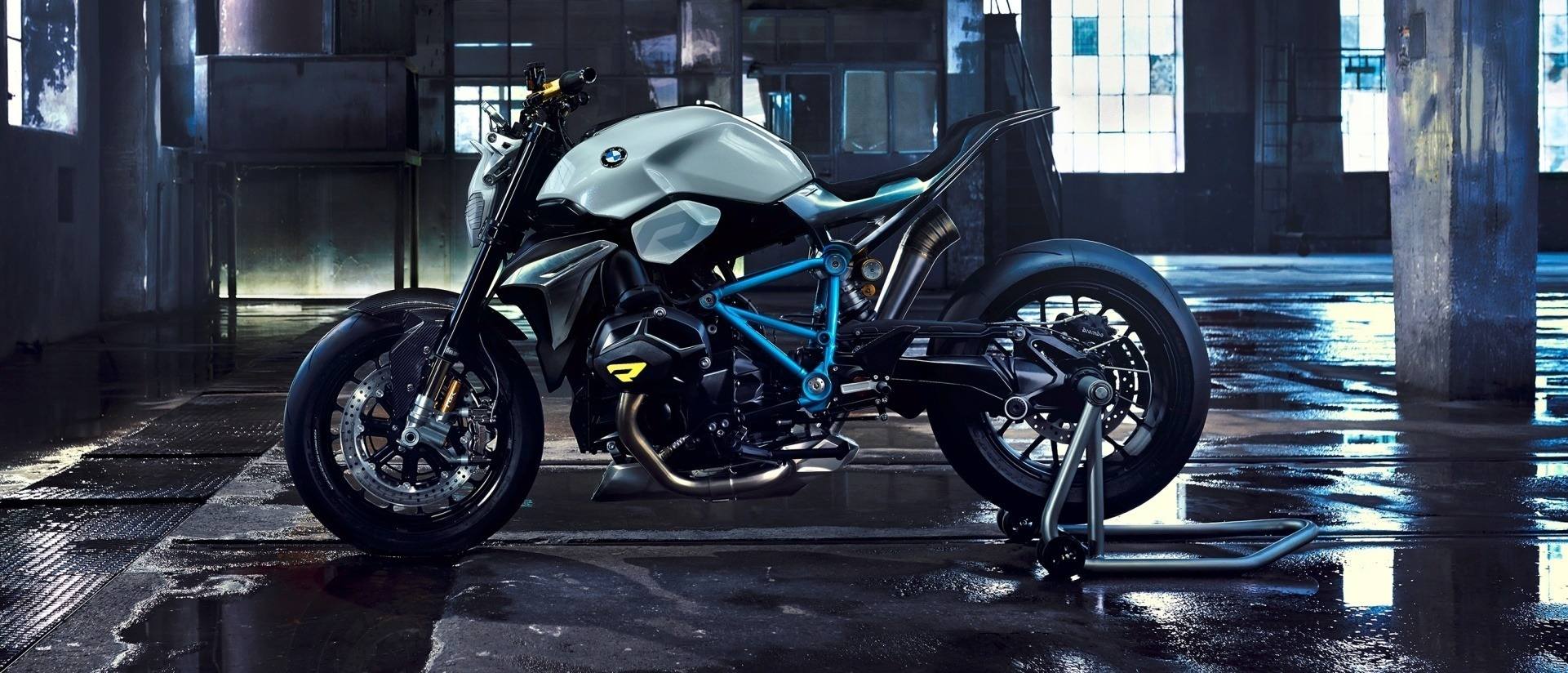 bmw motorrad concept roadster is boxer ducati fighter. Black Bedroom Furniture Sets. Home Design Ideas