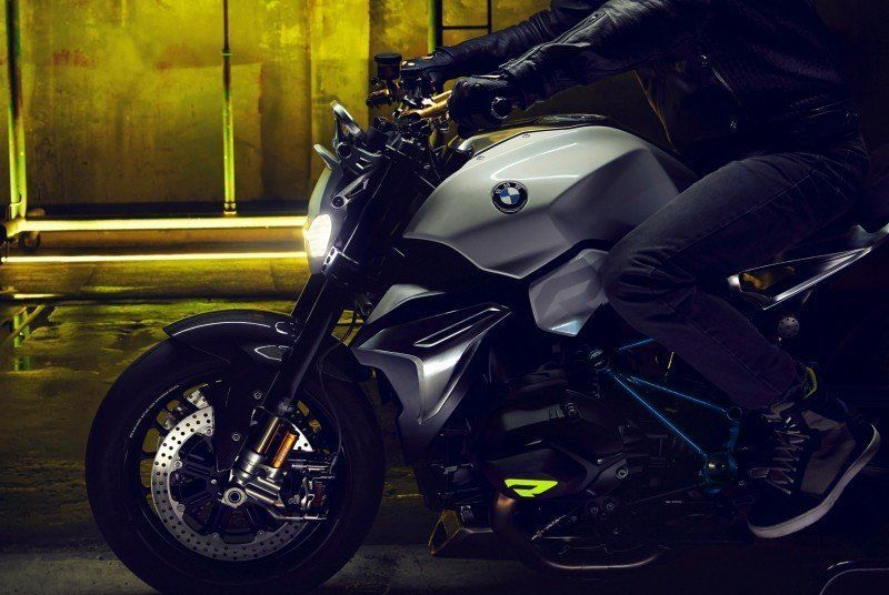 BMW Motorrad - Concept Roadster is Boxer Basics Motorcycle for Lake Cuomo 2