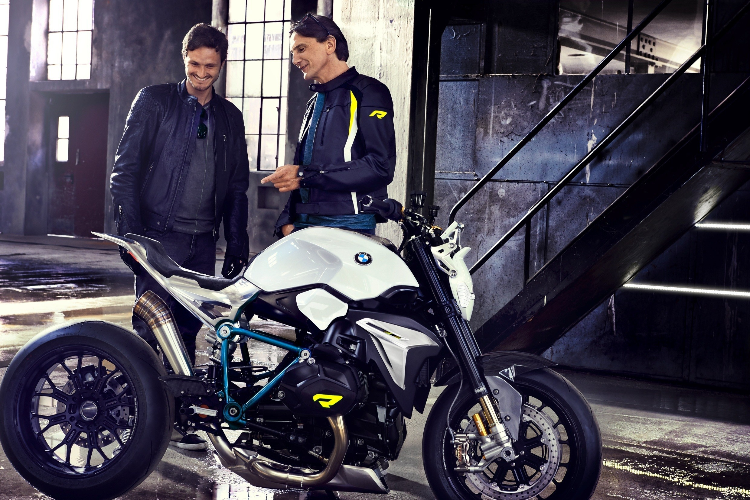 Bmw Motorrad Concept Roadster Is Boxer Ducati Fighter