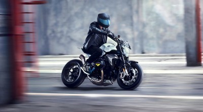 BMW Motorrad - Concept Roadster is Boxer Basics Motorcycle for Lake Cuomo 21