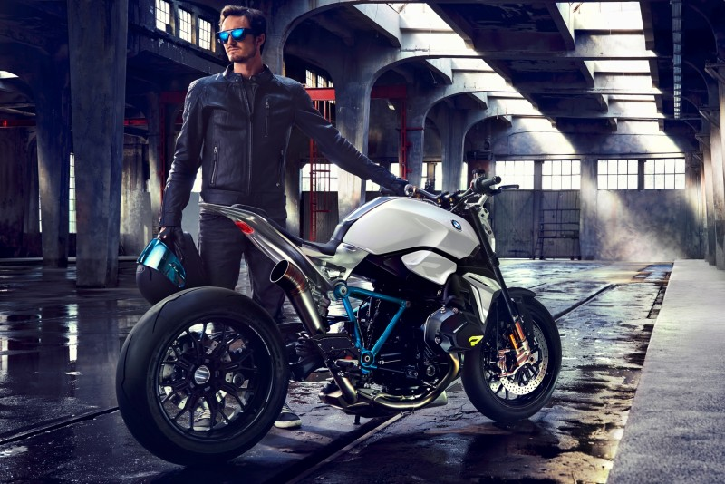 BMW Motorrad - Concept Roadster is Boxer Basics Motorcycle for Lake Cuomo 24