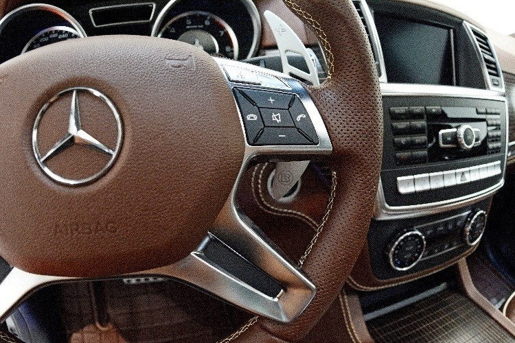 BRABUS B63S 700 Widestar Upgrades for Mercedes-Benz GL-Class Are Ready for Hollywood A-List 43