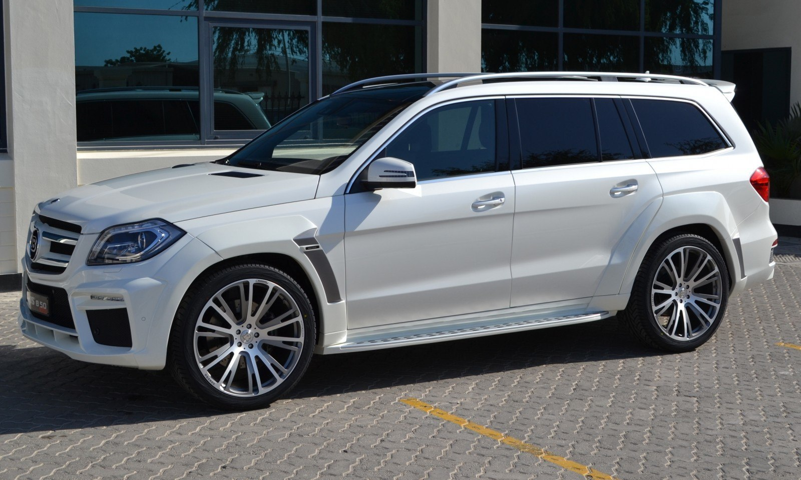 Brabus b63s 700 widestar upgrades for mercedes benz gl for Mercedes benz upgrades