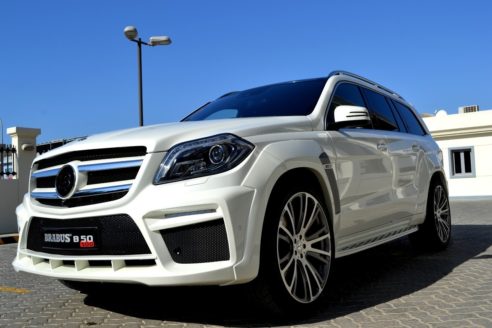 186mph 7 Seat Suv Brabus B63s 700 Widestar For Mercedes