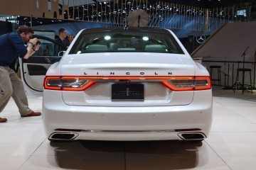Best of NAIAS - 2017 Lincoln CONTINENTAL Limo 47
