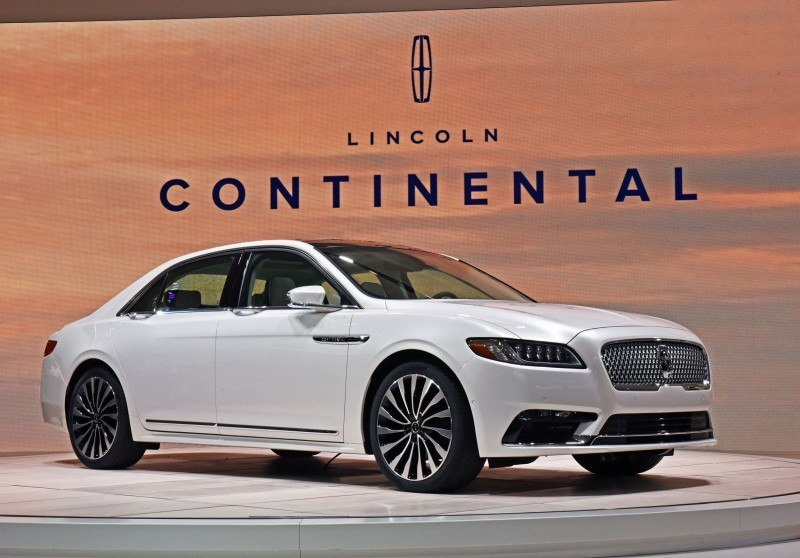 "Detroit, January 12, 2016 --€"" Lincoln Motor Company today revealed the all-new Lincoln Continental at the North American International Auto Show. Beginning this fall, Continental offers first-class travel for clients in America and China, bringing warm, human touches and a contemporary design."