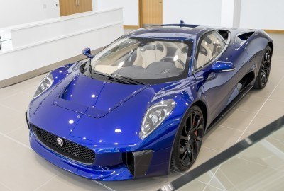 Canned Hypercar Debrief - 2010 JAGUAR C-X75 Is Too Sexy For Its Turbines 45