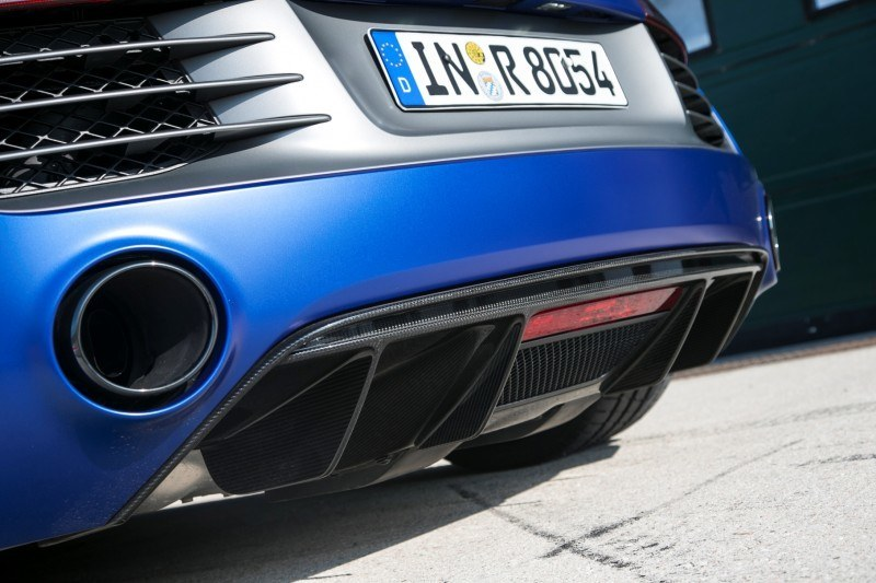 Car-Revs-Daily.com 2014 AUDI R8 V10 Plus in Sepang Matte Metallic Blue 35