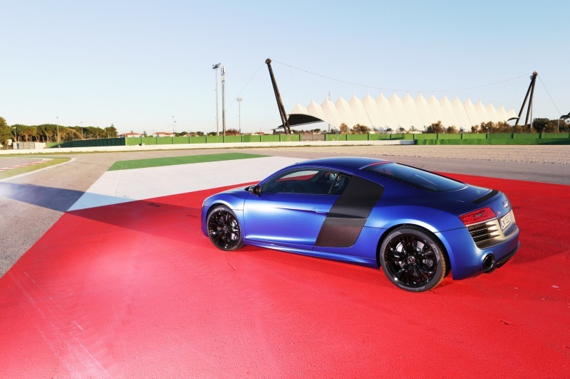 3.3s, 197MPH 2014 Audi R8 V10 Plus Still a Top-5 Supercar With 550HP for $180k 3.3s, 197MPH 2014 Audi R8 V10 Plus Still a Top-5 Supercar With 550HP for $180k