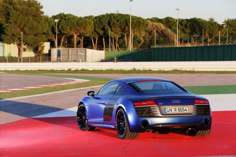 Car-Revs-Daily.com 2014 AUDI R8 V10 Plus in Sepang Matte Metallic Blue 68