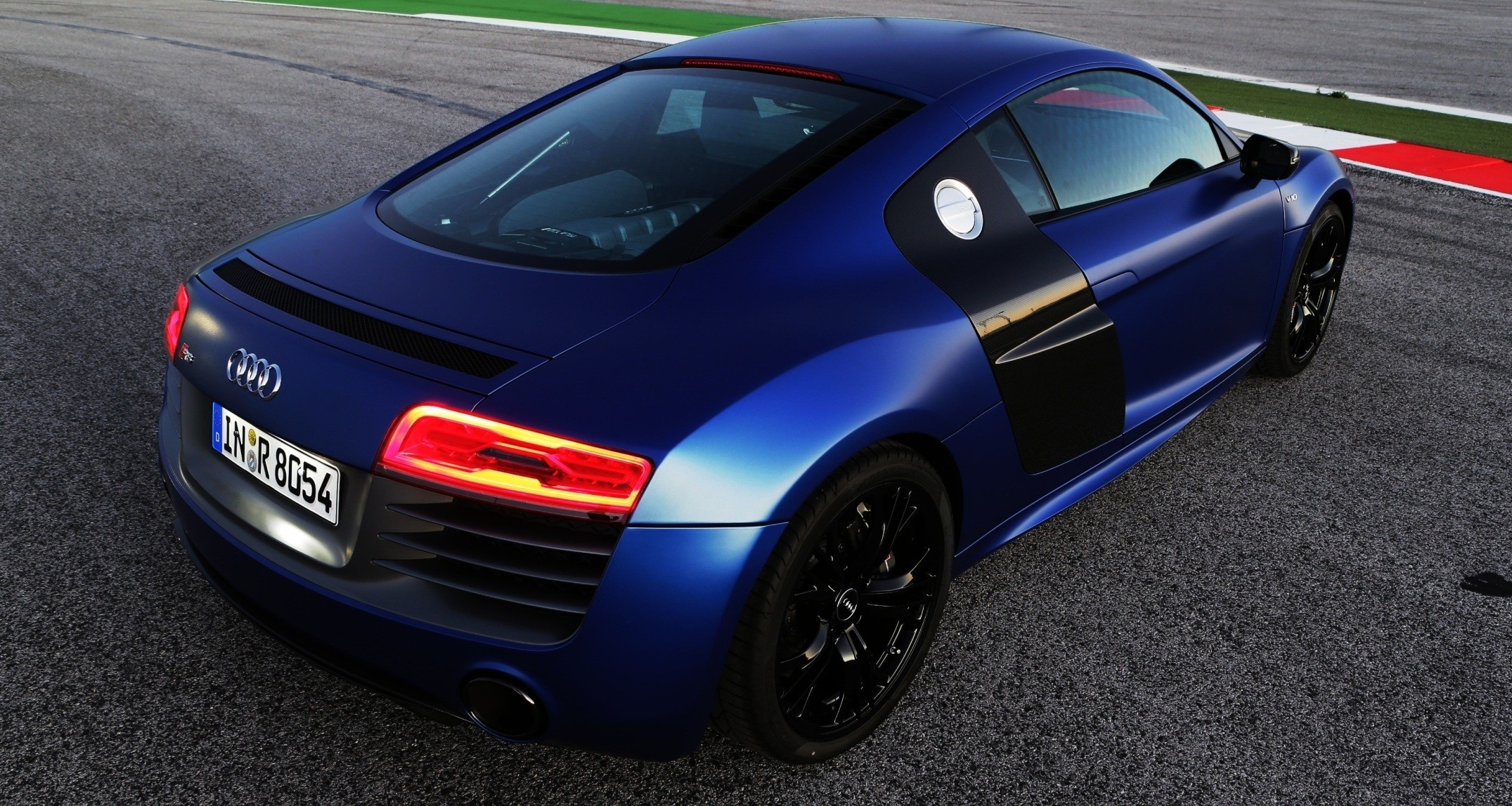 Car Revs Daily.com 2014 AUDI R8 V10 Plus In Sepang Matte Metallic Blue 77