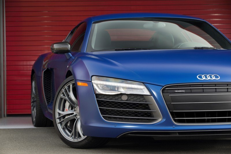 Car-Revs-Daily.com 2014 AUDI R8 V10 Plus in Sepang Matte Metallic Blue 90