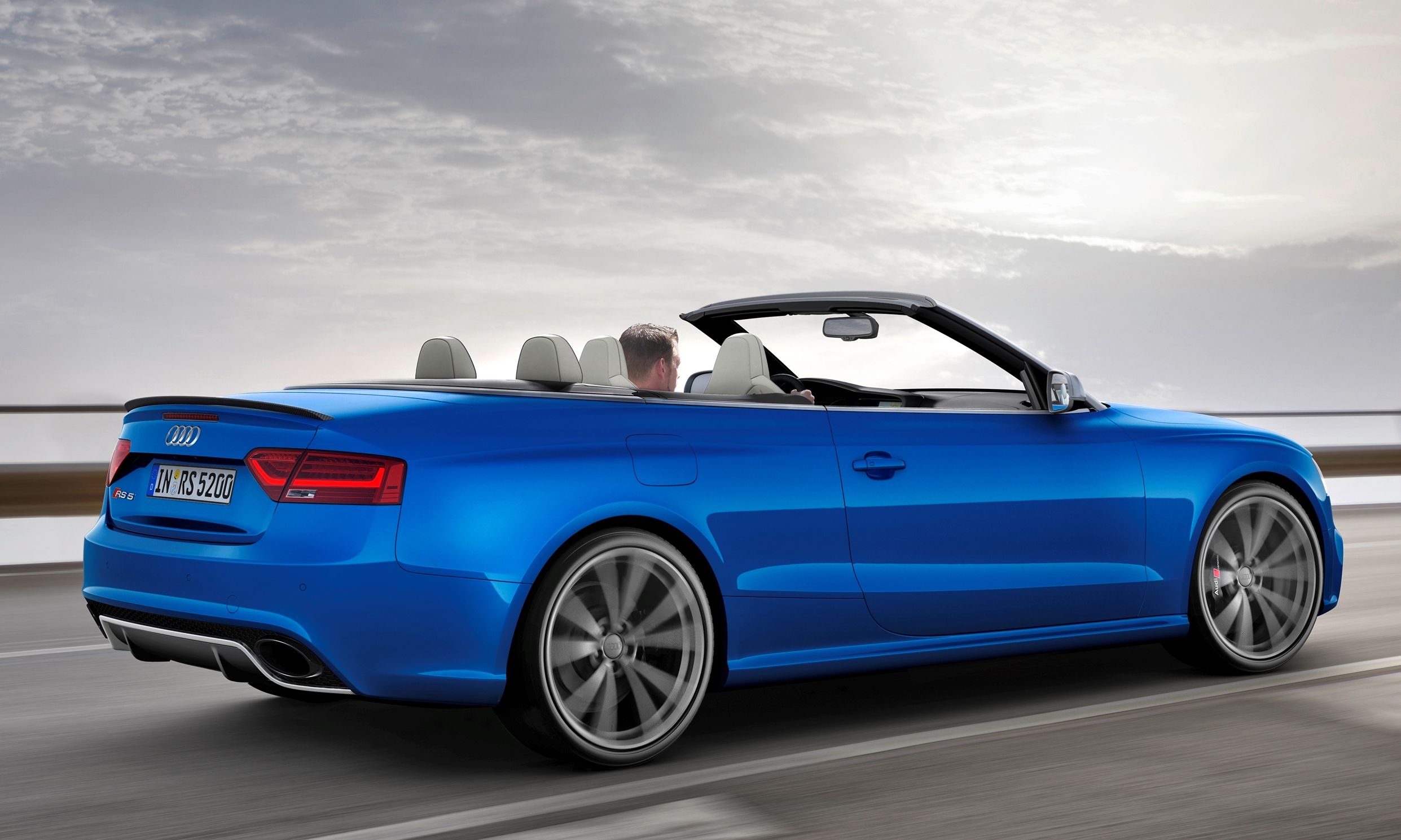 2014 Audi Rs5 Cabriolet Buyers Guide Black Optics Vs