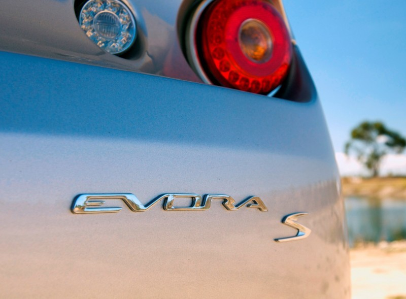 Car-Revs-Daily.com 2014 LOTUS Evora and Evora S - USA Buyers Guide - Specs, Colors and Options 62