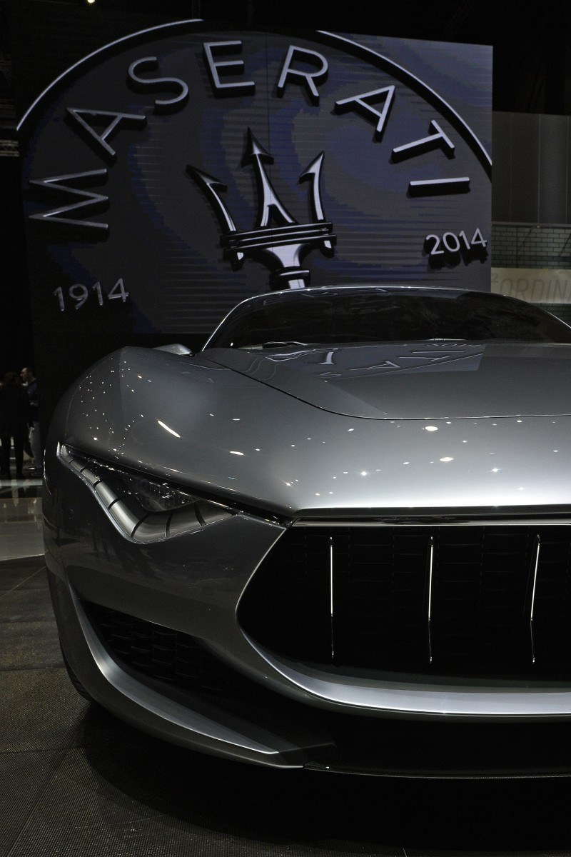 Car-Revs-Daily.com 2014 Maserati Alfieri Concept - Close-up, High-Res Details in 82 New Photos 14