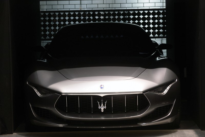 Car-Revs-Daily.com 2014 Maserati Alfieri Concept - Close-up, High-Res Details in 82 New Photos 22