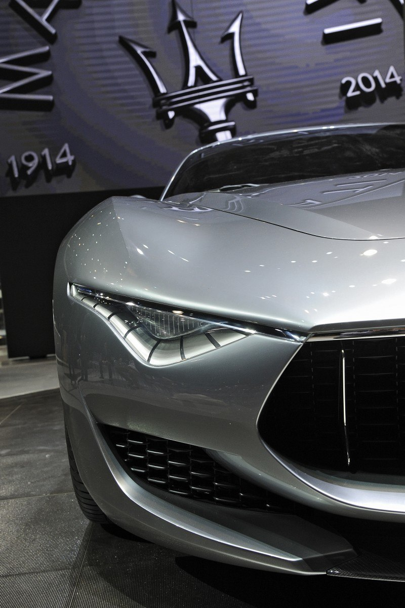 Car-Revs-Daily.com 2014 Maserati Alfieri Concept - Close-up, High-Res Details in 82 New Photos 66