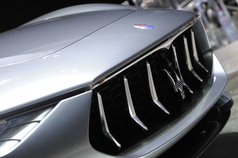 Car-Revs-Daily.com 2014 Maserati Alfieri Concept - Close-up, High-Res Details in 82 New Photos 75