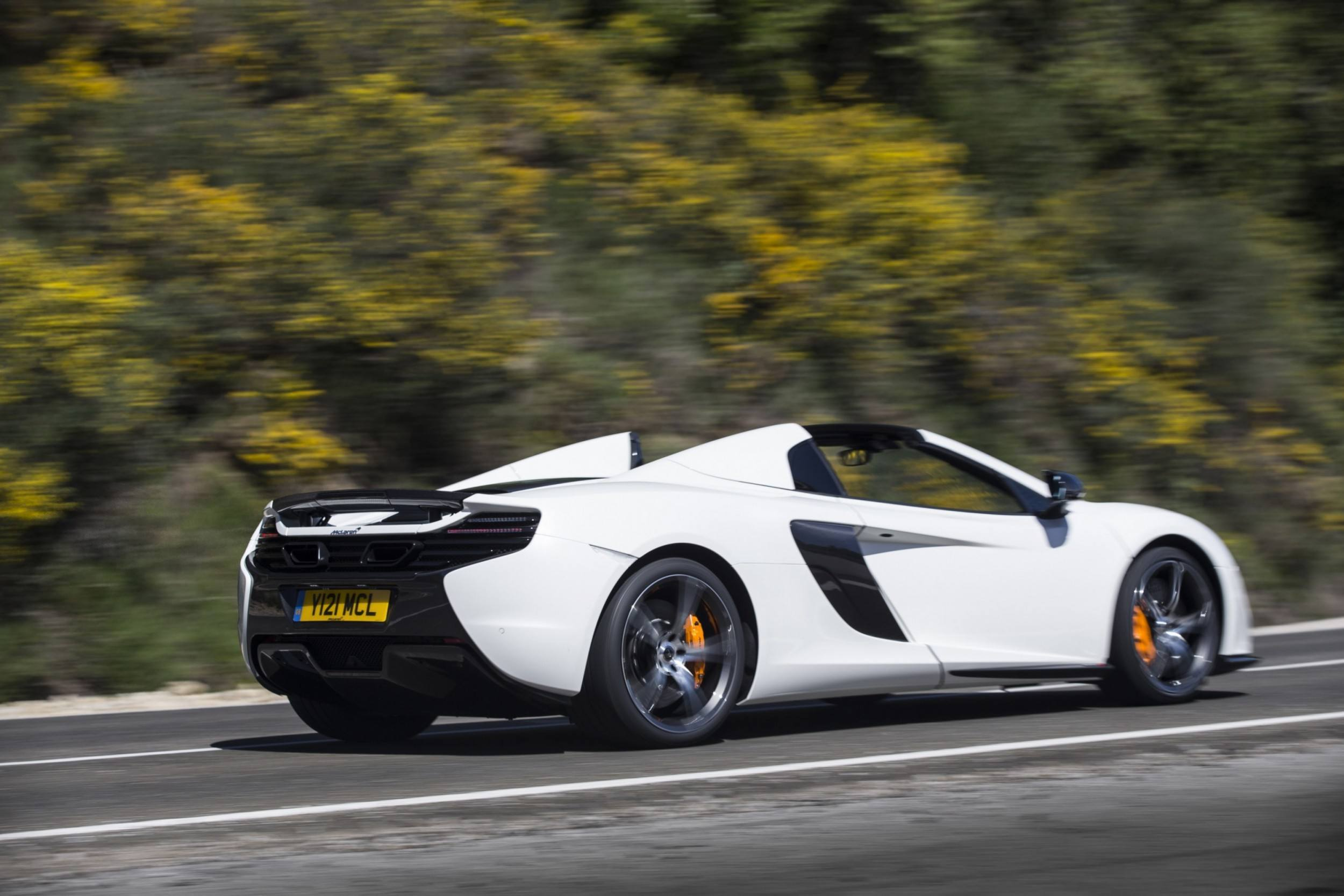 2014 mclaren 650s is devastatingly gorgeous in 150 new photos in 4 colors. Black Bedroom Furniture Sets. Home Design Ideas
