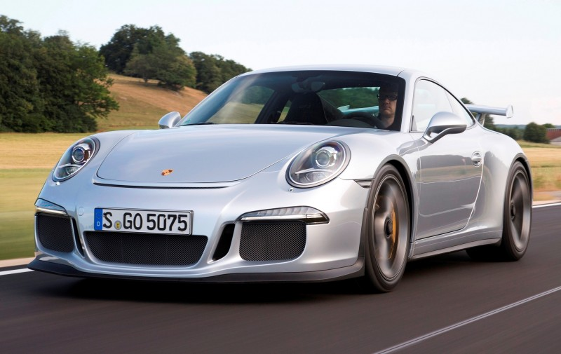Car-Revs-Daily.com 2014 Porsche 911 GT3 is Race-Ready Street Car 6