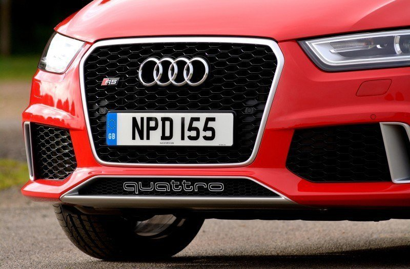 Car-Revs-Daily.com 2015 Audi RS Q3 34