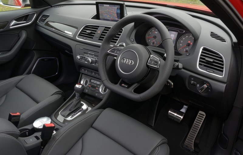 Car-Revs-Daily.com 2015 Audi RS Q3 47