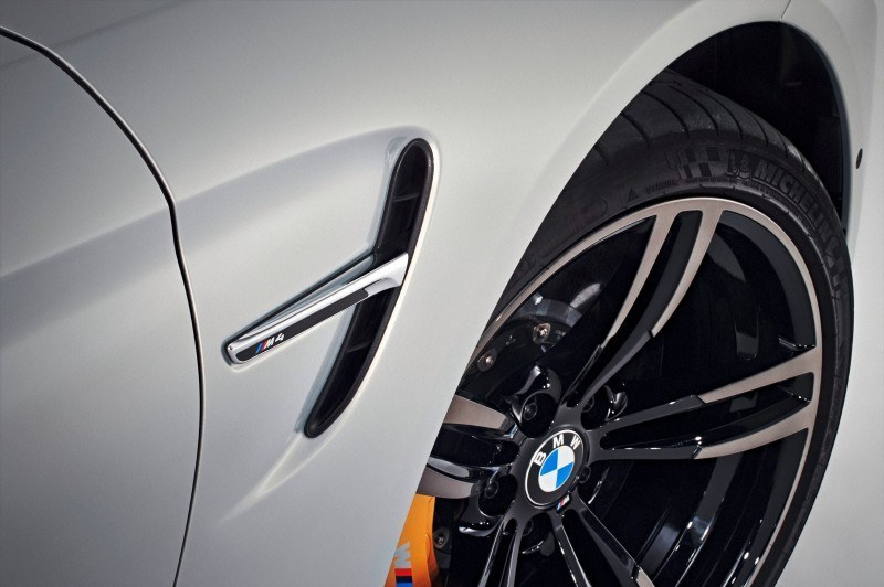 Car-Revs-Daily.com 2015 BMW M4 Convertible 77