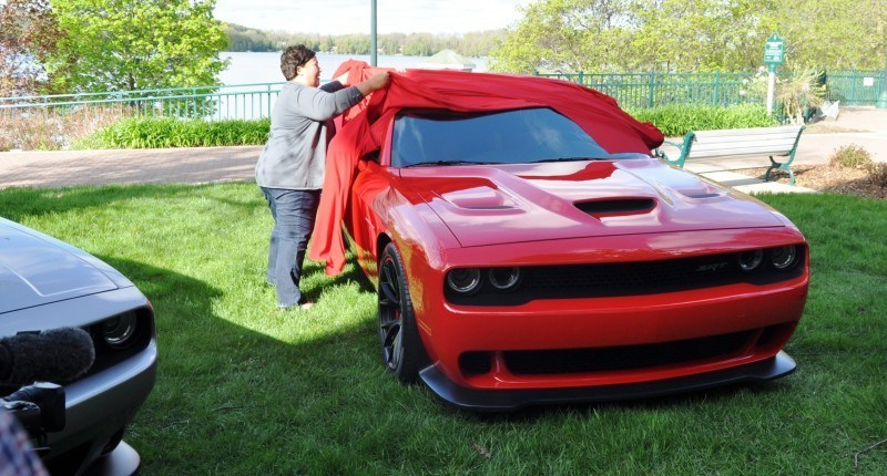 Car-Revs-Daily.com - 2015 Dodge Challenger SRT Hellcat Debut Photos and Video 16