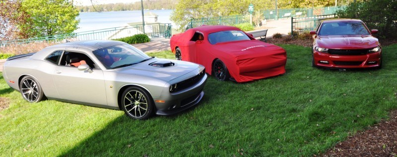 Car-Revs-Daily.com - 2015 Dodge Challenger SRT Hellcat Debut Photos and Video 3