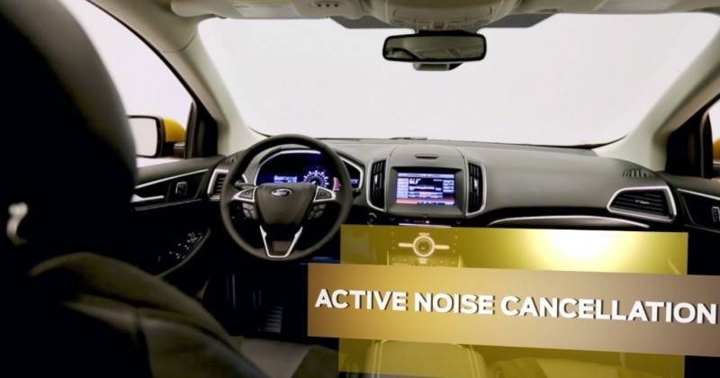 Car-Revs-Daily.com 2015 Ford Edge Sport and Titanium INTERIOR 10