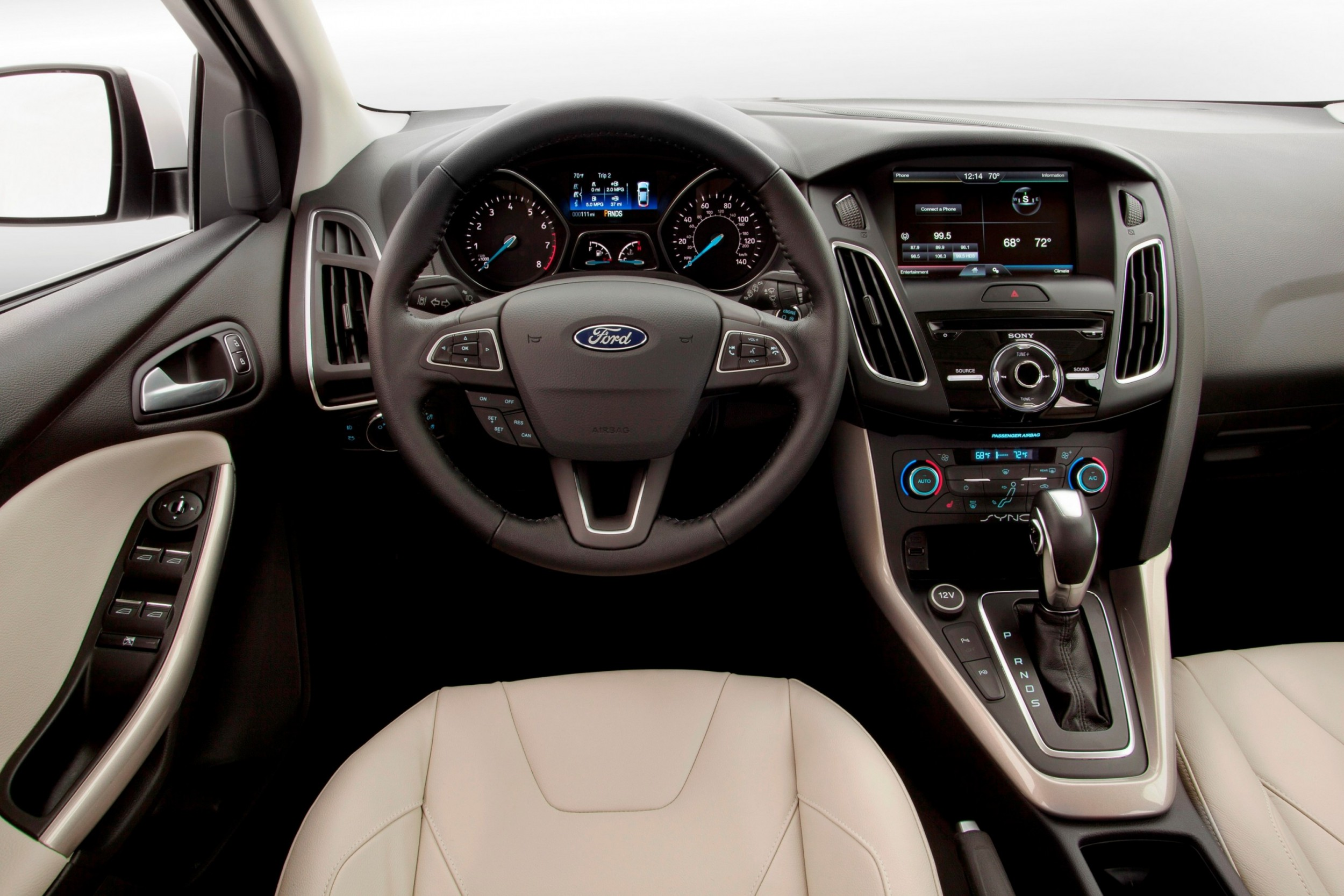 2015 ford focus tech and design refresh adds 8 inch nav ecoboost triple led accents