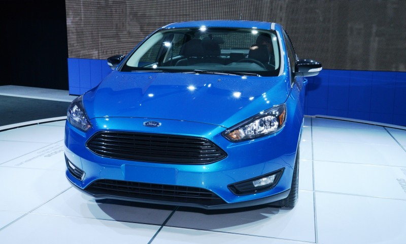 Car-Revs-Daily.com 2015 Ford Focus 39