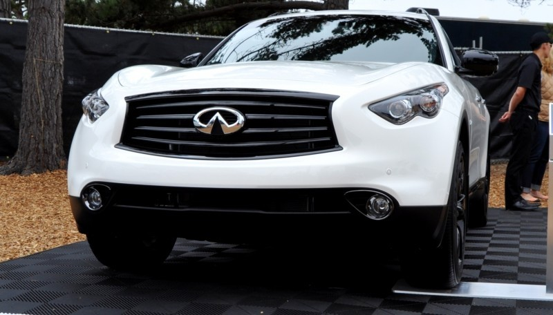 Car-Revs-Daily.com 2015 INFINITI QX70S 14