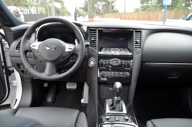 Car-Revs-Daily.com 2015 INFINITI QX70S 8