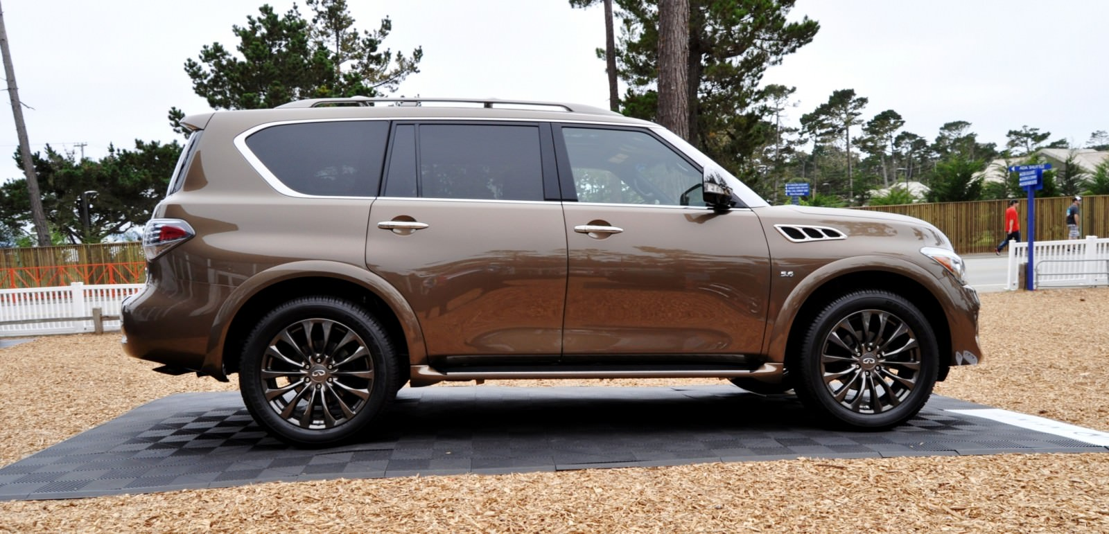 car revs 2015 infiniti qx80 limited pebble beach 66. Black Bedroom Furniture Sets. Home Design Ideas