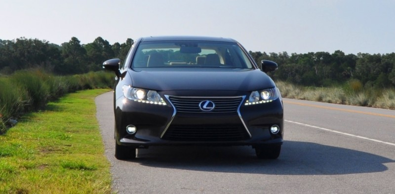 Car-Revs-Daily.com 2015 Lexus ES300h Review 18